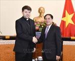 Tổng giám mục Marek Zalewski chào xã giao Lãnh đạo Bộ Ngoại giao