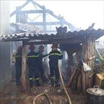 Tự đốt rụi căn nhà gỗ tại thành phố Sơn La rồi bỏ trốn