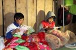 Học sinh vùng cao Sìn Hồ chống chọi với rét đậm, rét hại