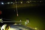 Say rượu, lái xe đi nhầm đường rồi lùi xe... xuống sông Nậm Rốm, Điện Biên
