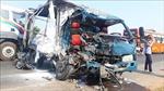 Xe container đối đầu xe tải làm 3 người thương vong
