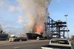 Cháy nổ tàu chở hàng tại Thái Lan, 25 người bị thương