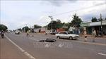 Lái xe máy ngược chiều tự tông vào ô tô trong tình trạng say xỉn