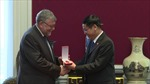Trao tặng Huân chương Hữu nghị cho Hội Bỉ - Việt tại Bỉ