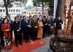 Thường trực Ban Bí thư Trần Quốc Vượng dâng hương tại Hoàng Thành Thăng Long