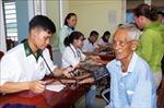Chợ nhân đạo hỗ trợ người dân vùng biển khó khăn