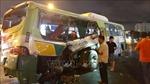 Va chạm giữa xe tải và xe buýt khiến nhiều người bị thương
