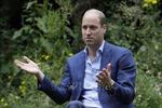 Hoàng tử Anh cảnh báo thận trọng với thông tin sai về vaccine trên mạng xã hội