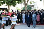 Chủ tịch nước đặt vòng hoa tại Tượng đài Chủ tịch Hồ Chí Minh ở Thủ đô La Habana