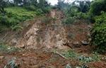 Chơi đào hầm khiến đất sạt lở, 3 trẻ tử vong
