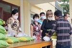 Cộng đồng người gốc Việt tại Campuchia 'nhường cơm sẻ áo' trong đại dịch
