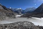 Các dòng sông băng ở dãy Himalaya tan chảy với tốc độ đáng báo động