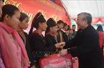 Tặng 100 suất quà Tết cho các hộ nghèo của huyện Văn Yên, Yên Bái