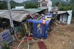 Điều tra nguyên nhân nổ lốp khiến xe khách đâm vào nhà dân ở Khánh Hòa
