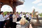 Thủ tướng Nguyễn Xuân Phúc dâng hương tại Di tích Thành cổ Quảng Trị