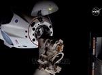 Tàu vũ trụ Crew Dragon 'cập bến' ISS