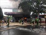 Cháy lớn tại cây xăng, lái xe bồn bị lửa thiêu tử vong, vợ chồng chủ cây xăng bị bỏng nặng