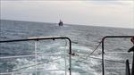 Ứng cứu 2 tàu cá bị hỏng máy, thả trôi trên biển