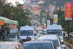 Chủ tịch UBND tỉnh Lâm Đồng chỉ đạo xử lý 2 xe tải vượt ẩu bắt gặp trên đường đi công tác