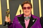 Danh ca Elton John lùi thời điểm lưu diễn do vấn đề sức khỏe