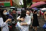 Kết thúc kỳ thi lớp 10 THPT tại Hà Nội: Đề vừa sức, thí sinh được hỗ trợ tối đa