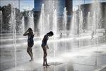 Nắng nóng, nhiều nước châu Âu nâng mức cảnh báo thời tiết cực đoan