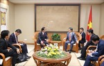 Phó Thủ tướng Vũ Đức Đam tiếp Thống đốc tỉnh Kanagawa (Nhật Bản)