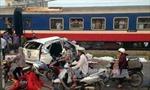 Tàu hỏa tông ô tô ở Nghệ An, 1 người tử vong tại chỗ