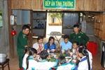 Bài 2: Bếp ăn tình thương giúp học trò nghèo biên giới