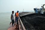 Cảnh sát biển tạm giữ 900 tấn than không rõ nguồn gốc