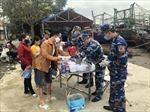 Cảnh sát biển đồng hành với ngư dân chung tay phòng dịch COVID-19