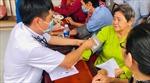 Khám và cấp thuốc miễn phícho ngư dân Kiên Giang