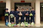 Cảnh sát biển chung tay giải cứu nông sản cho người dân