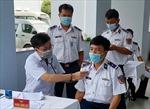 Tiêm vaccine phòng COVID-19 cho lực lượng phòng chống dịch tuyến biển