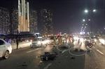 Đôi nam nữ lao vào đuôi xe tải trên cầu Sài Gòn tử vong