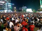 TP Hồ Chí Minh lắp 5 màn hình lớn phục vụ người dân xem trận đấu giữa tuyển Việt Nam với Nhật Bản