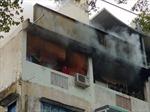 Cháy lớn nhà 3 tầng, nhiều người hốt hoảng tháo chạy