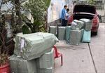Bắt giữ xe ô tô chở hàng nghìn gói thuốc lá điếu nhập lậu