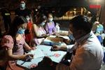 Những người 'giữ cửa' xuyên đêm phòng, chống dịch COVID-19 tại TP Hồ Chí Minh