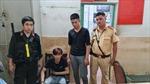 CSGT bắt 'nóng' 2 thiếu niên cướp điện thoại ở TP Hồ Chí Minh