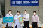 Trao tặng nhiều trang thiết bị y tế cho Trung tâm cấp cứu 115 và Bệnh viện điều trị COVID-19 An Bình