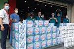 Các cơ quan báo chí tặng quà cho các bệnh viện tuyến đầu chống dịch tại TP Hồ Chí Minh