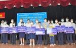 EVNHCMC bảo trợ trẻ mồ côi cha mẹ do COVID-19 đến 18 tuổi