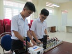 Hai học sinh sáng chế hệ thống giữ xe thông minh trong trường học