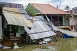 Đang ngủ thì 'hà bá' kéo hàng loạt ngôi nhà xuống sông Ô Môn