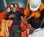 Kịp thời cấp cứu thuyền viên bị tai nạn trên vùng biển Hoàng Sa