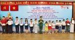 Trao học bổng cho học sinh, sinh viên dân tộc thiểu số và con em Bộ đội Biên phòng