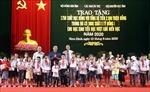 Trao 1.750 suất học bổng cho học sinh Nam Định có hoàn cảnh khó khăn