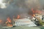 Cháy lớn thiêu rụi nhiều nhà xưởng ở Thạch Thất, Hà Nội