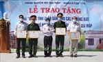 Trao nhà 'Tình nghĩa quân-dân' tặng đồng bào dân tộc thiểu số nghèo vùng biên giới